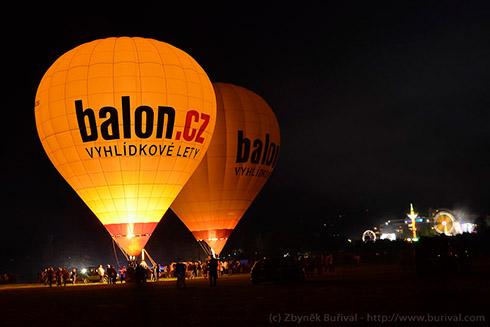 Noční vytápění horkovzdušných balónů